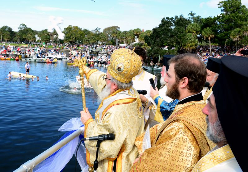 Tossing of the Cross in Tarpon SpringsPhoto © Dimitrios Panagos/GOA