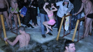 More than 82,000 bathe in icy water on Epiphany in Moscow