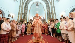 Russian Patriarch Kirill Holds Landmark Service in China